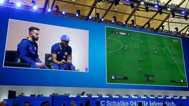 schalke_04_football_esport-e1485446813133 Le recrutement en eSport, une pratique émergente aux Etats-Unis