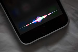 siri-300x200 WWDC : Apple présentera-t-il son enceinte intégrant Siri?