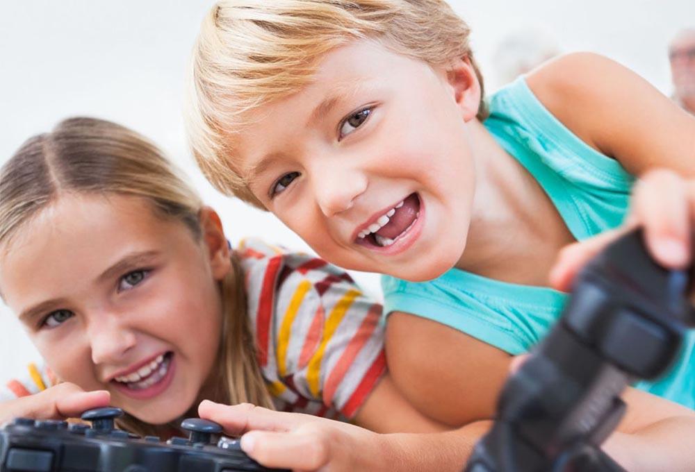 jeux pour enfant de 10 ans quel titre pour les plus petits. Black Bedroom Furniture Sets. Home Design Ideas